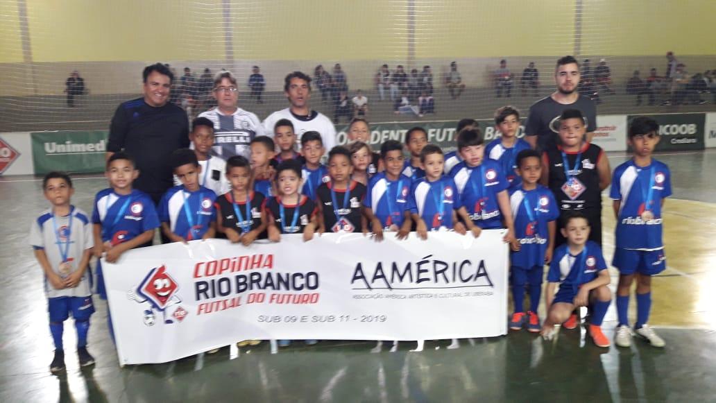 Participação especial dos Alunos do projeto Bola de Gude na Copa Inconfidentes Futsal Band
